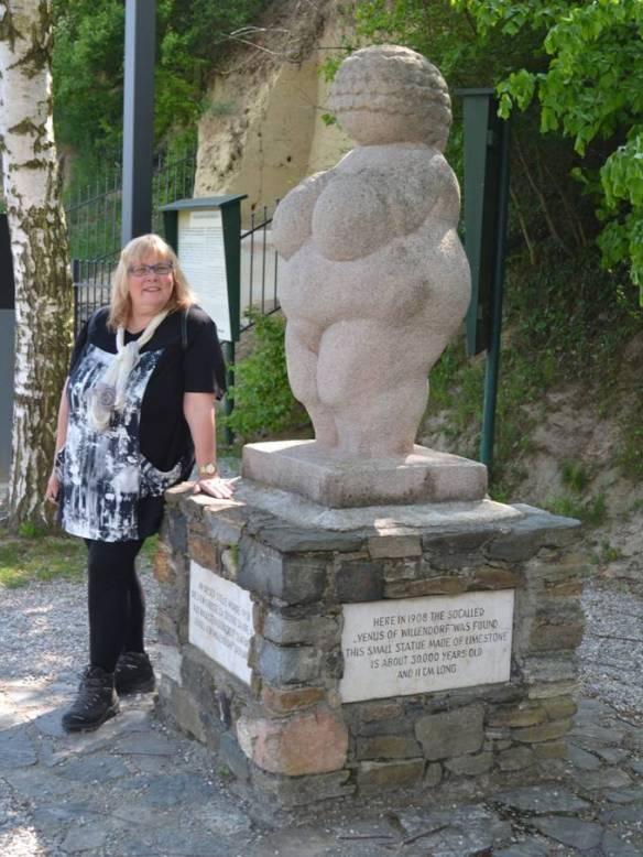 Urmutter von Willendorf 3